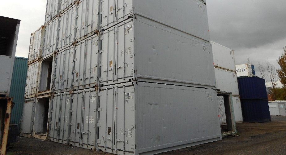 Refrigerated shipping container - external rear view
